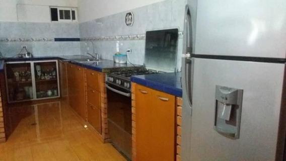 Casa En Venta , Codigo Mls #19-12144