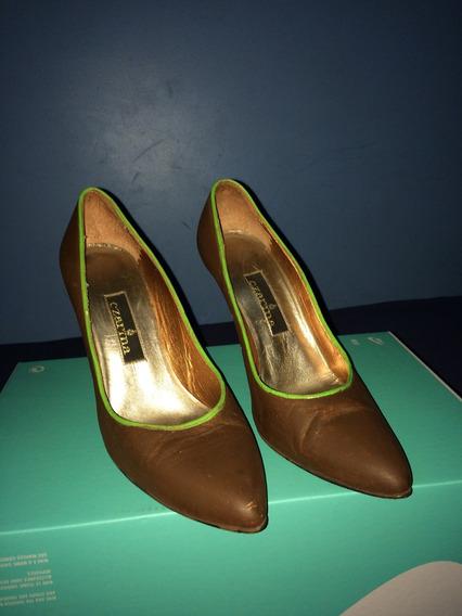 Sapato Scarpin Marron Com Detalhe Verde N. 36