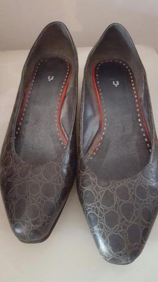 Zapatos De Cuero Usados Num 37. Uma