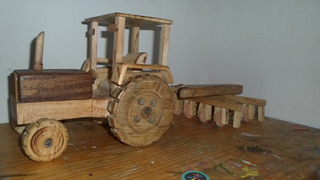 Tractor De Madera