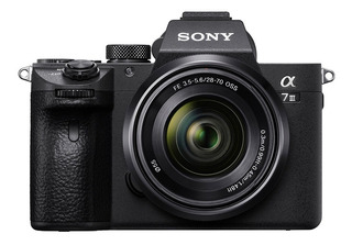 Cámara Profesional Sony Fullframe A7 Iii + Lente- Ilce7m3k
