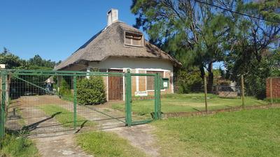 Casa En Atlandida, Uruguay A 50 Mts De La Playa