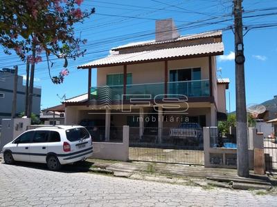 Sobrado 7 Dormitórios - Pereque - 2460