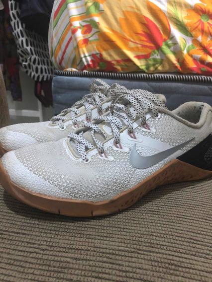 Tênis Nike Metcon 4 (branco E Rosa)