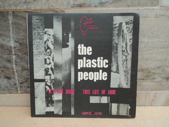 The Plastic People- Compacto
