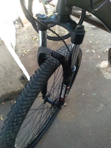 Imagem 1 de 5 de Bike Rava Freio A Óleo