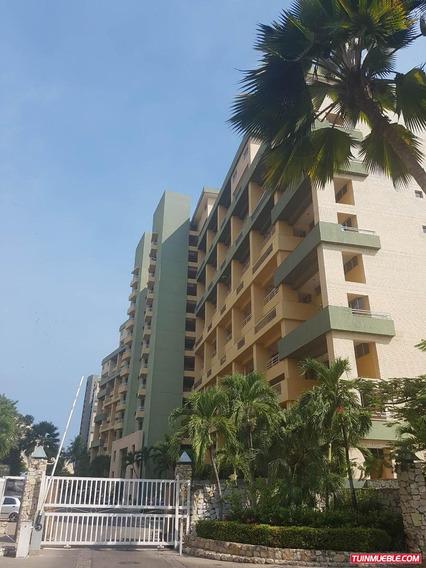 Marina Mar. Apartamento En Alquiler, Lecheria.