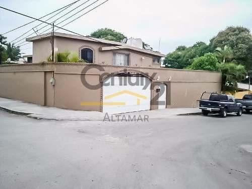Casa Residencial En Venta, Col. Petrolera, Tampico, Tamaulipas