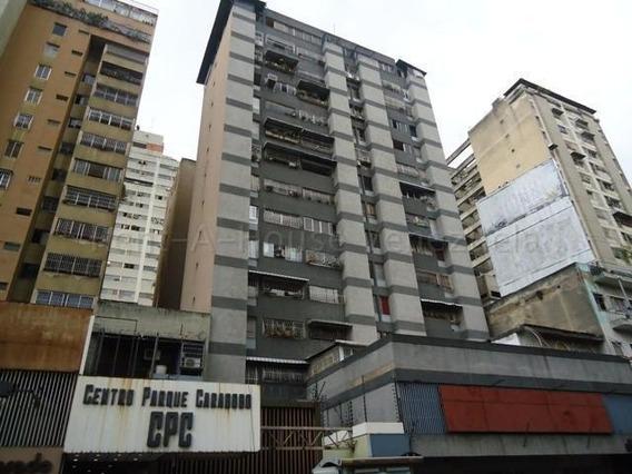 Oficina En El Área Más Comercial Del Centro De Caracas.