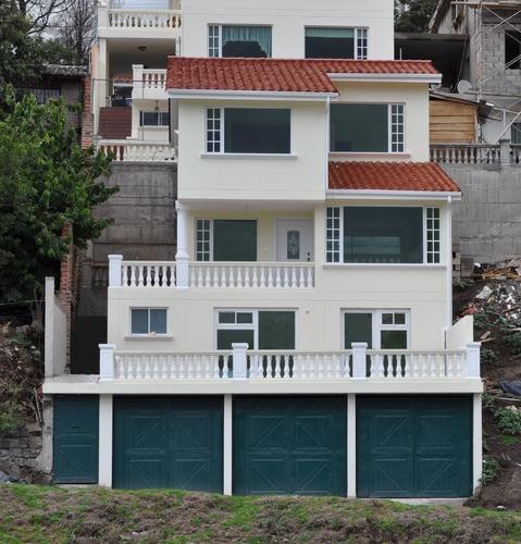 Valle Capelo, Casa De 3 Pisos. $159.500 Negociable