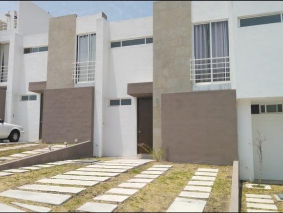 Casa En Renta En Fraccionamiento Punta Esmeralda Querétaro