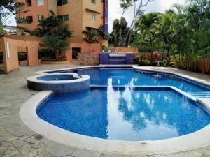 Apartamento En Venta La Trigaleña-valencia Cod 20-678 Ddr