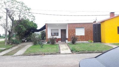 Casa De 3 Ambientes, Galpón (o Depósito) Y Baño.