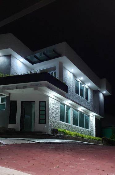 Casa Residencial Nueva Garage 6 Autos Gran Jardín En Privada