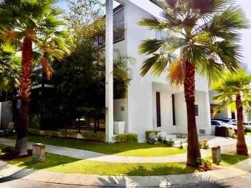 Casa Nueva En Renta En Frac. Parque Virreyes, Zapopan