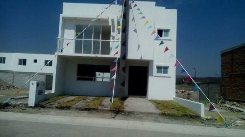 Preciosa Casa En Área Cañadas Del Arroyo, Roof Garden, 3 Recámaras, Jardín, Lujo