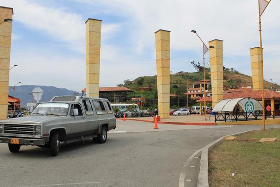 Chevrolet C-30 Pachas, Cabinada, 17 Pasajeros