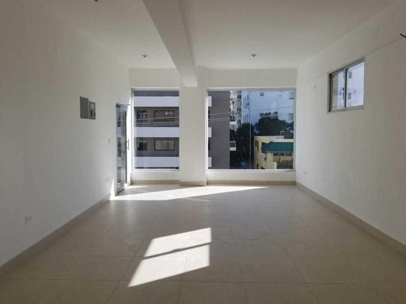 Alquiler De Local En Plaza Comercial A Estrenar En Naco 40m2