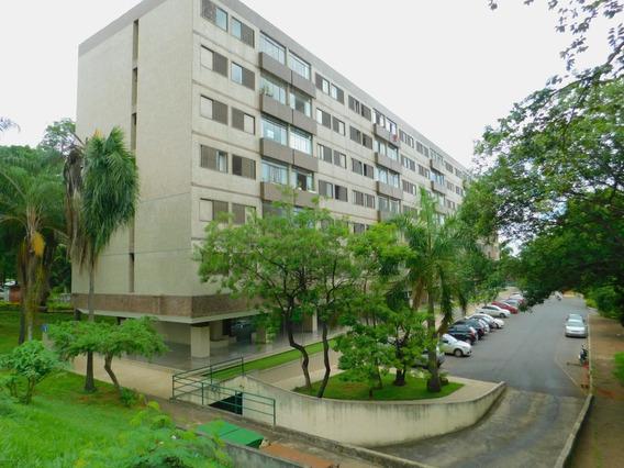 Apartamento Na 203 Três Quartos Reformado Bem Localizado