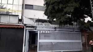 Mtz G Vende Apartamento En Chacaito 20-24742