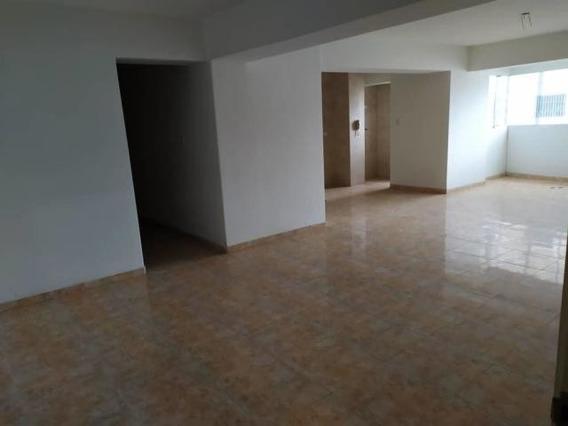 Apartamento En Venta En Maracay, Zona Centro Zp 20-18455