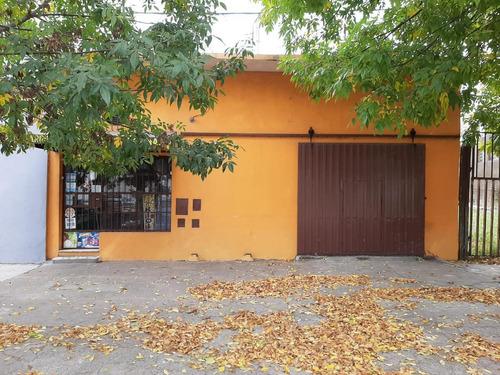 Venta Casa 2 Dormitorios C/ Salon De Ventas Excelente Sobre Avenida - Granadero Baigorria
