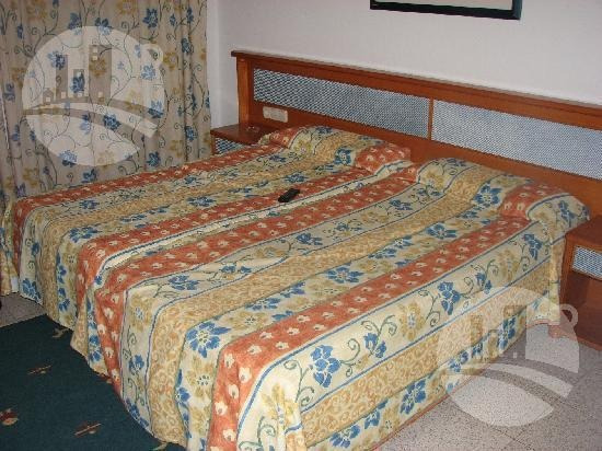Hotel 44 Hab. 2*
