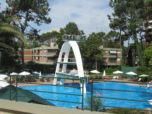 Venta De Apartamento En Complejo Arcobaleno/ Punta Del Este.