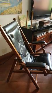 Cadeira Inglesa Para Leitura Em Couro Preto E Madeira Mogno