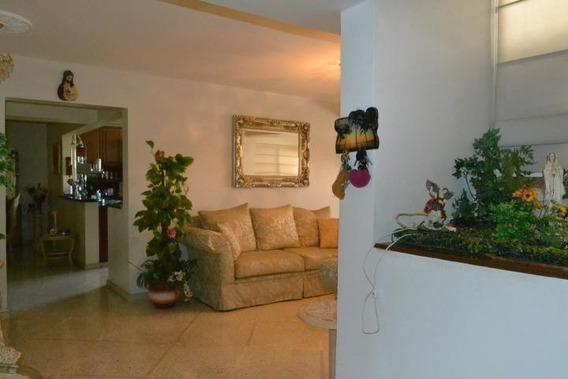 Yarimar Gutierrez Vende Apartamento # 20-3424