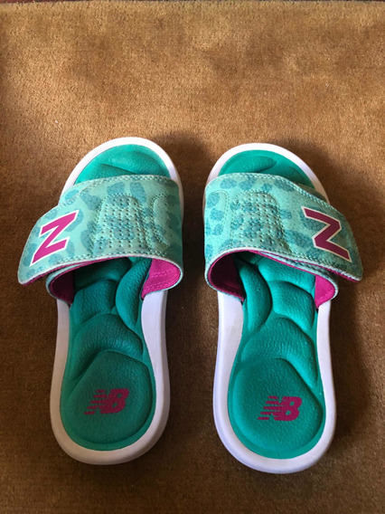 Chinelas New Balance Niñas