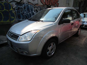 Ford Fiesta 1.6 First 5vel Aa Sedan Mt Gris 2010