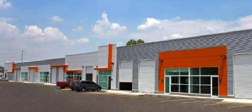 Bodega Comercial En Renta De 252 M2 De Construcción En Comunidad Industrial Y De Negocios Clase A.
