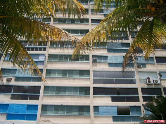 Apartamentos En Venta Caraballeda 20-14675
