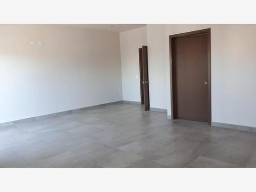 Casa En Venta En Fraccionamiento Villa Bonita