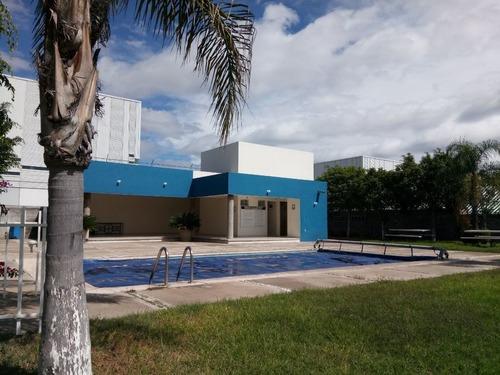Condominio Privado, 2 Baños, Zona Tec De Monterrey.