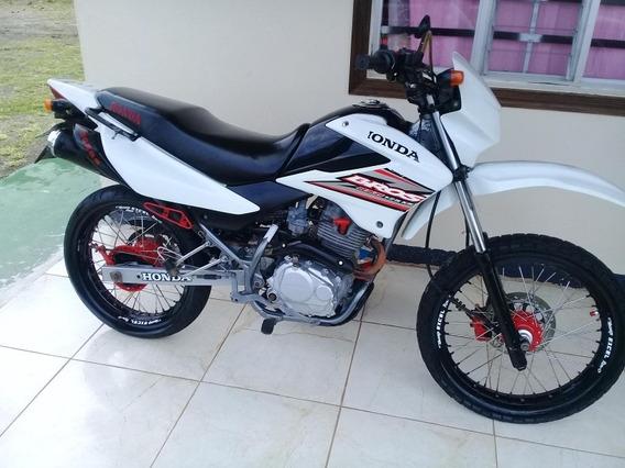 Moto Honda Bross 125