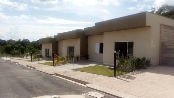 Casa Térrea Nova Condomínio Fechado 02 Dorms/01vaga 201cf
