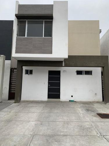 Casa Renta En Privalia Concordia, Apodaca, Nl.
