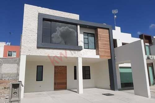 Venta De Casa En Pachuca Hgo. En Fraccionamiento Residencial Quinta La Concepción