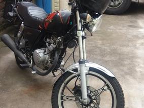 Suzuki 125 Color Negro