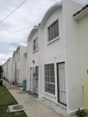 Casa En Jardines De Santiago A 1min Del Itq Campus Norte