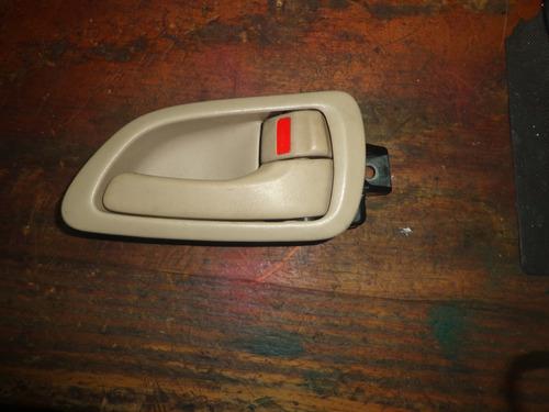 Vendo Manigueta Delantero Derecho Lexus Gs300 Año 96