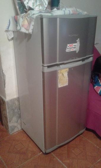 Refrigeradora Pequeña Electrolux Medidas 1.27 X 58 Ancho