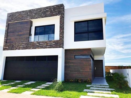 Casa En Venta En Fracc. Punta Tiburón. Riviera Veracruzana