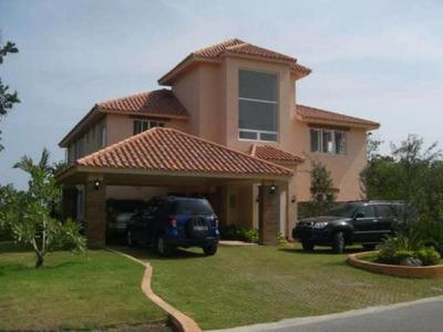 Vendo Villa Amueblada En Guavaberry Golf Y Country Club