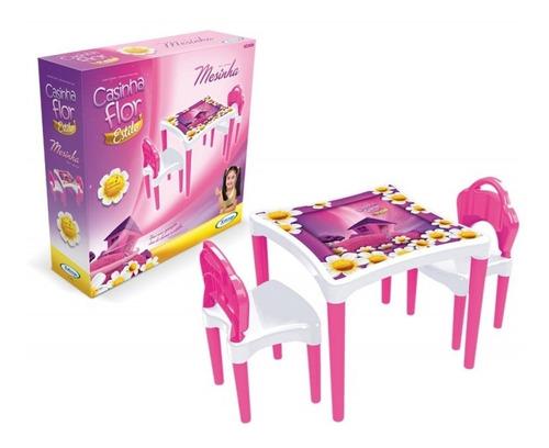 Imagem 1 de 6 de Mesinha Infantil Com 2 Cadeirinhas Casa Flor Xalingo