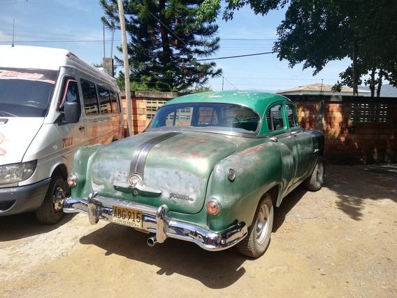 Pontiac 1953 Sedan