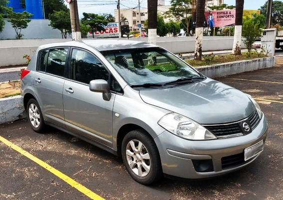 Nissan Tiida 1.8s 2008 - Cambio Manual - Kit Multimidia