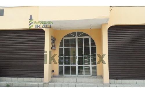 Renta Oficinas 45 M² Col. Centro Tuxpan Veracruz. Ubicados En La Calle Mina, En El Primer Piso Del Edificio, Cuentan Con Baño Completo, Pueden Ser Adaptados Como Departamentos, Cuentan Con Una Superf
